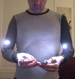 Необычные фонарики на локти