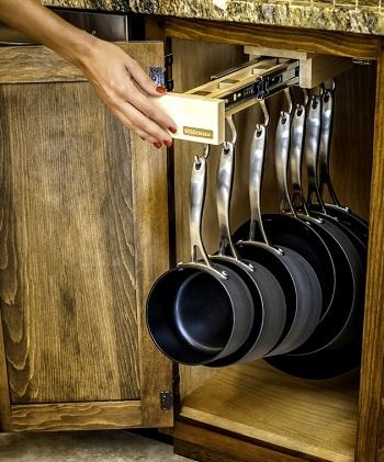 держатель для сковородок