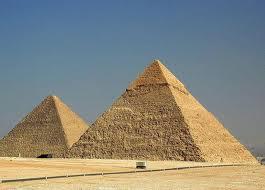 только благодаря пирамидам, туристический бизнес в Египте процветает