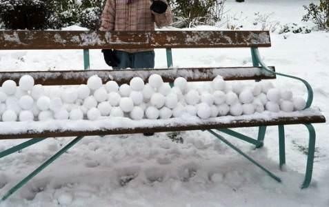 налепленные снежки