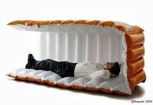 необычная надувная кровать