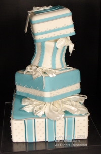 поддельный свадебный торт