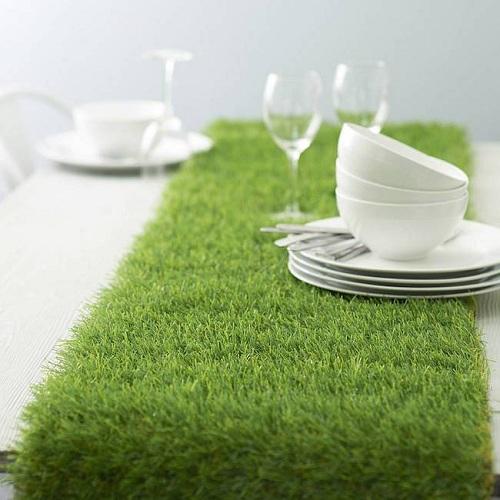столик с травяным покровом