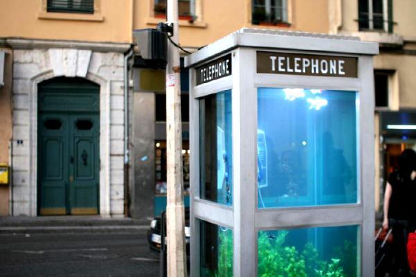 Интернет в телефонных будках