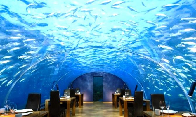 Совсем необычно открыть ресторан под водой.