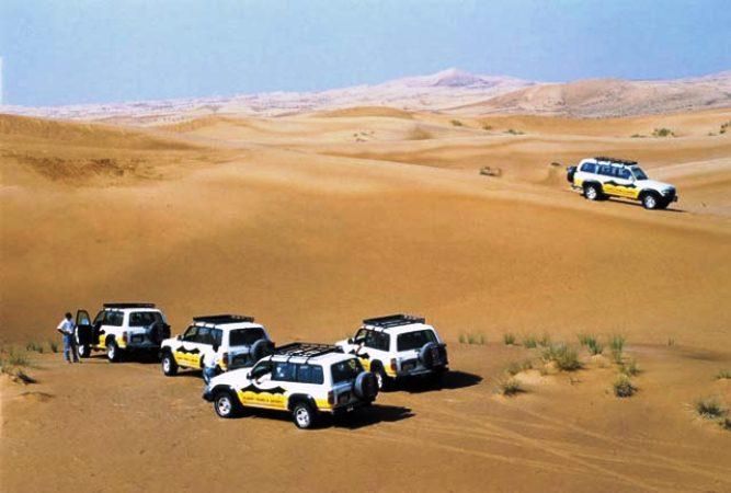 Такси-внедорожник на дюнах