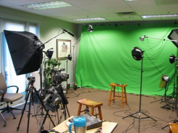 6122d1202366744-going-shopping-green-screen-studio-lighting-ywca-shoot-768x576