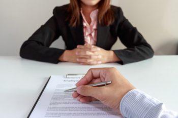 Имеет ли право и.п. нанимать на работу наемных работников