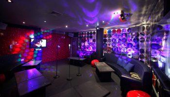 1438814155_kak-otkryt-karaoke-bar-2