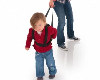 Купить вожжи для ребенка - обезопасить его от частых падений