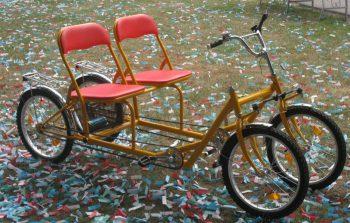 Веломобиль - хороший способ заработать на велорикше