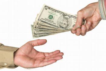 Жена ИП платит мужу зарплату