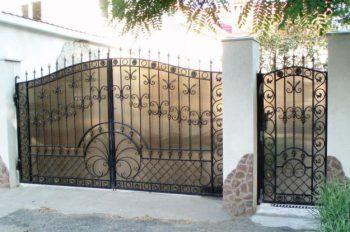 Заработать на воротах, рольставнях и плитке