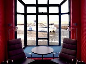 Harbour Crane Hotel