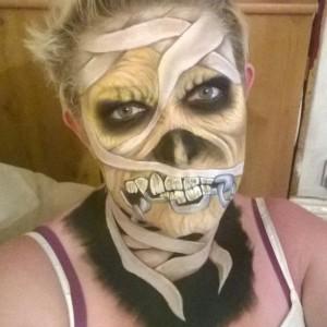 Пример макияжа для вечеринки в стиле Хеллоуин